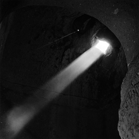 soganlı-cave-church-light-shaft-1-570px