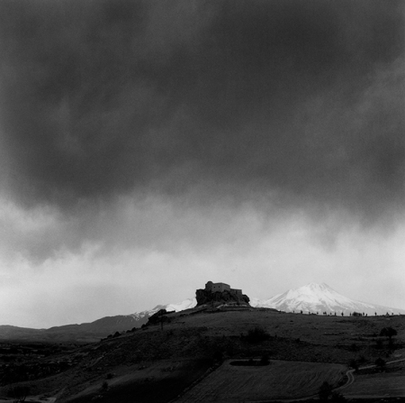 yuksek-kilise-heavy-clouds001-600px-light